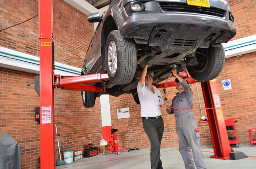 What Is Meant By A Car Mechanic?
